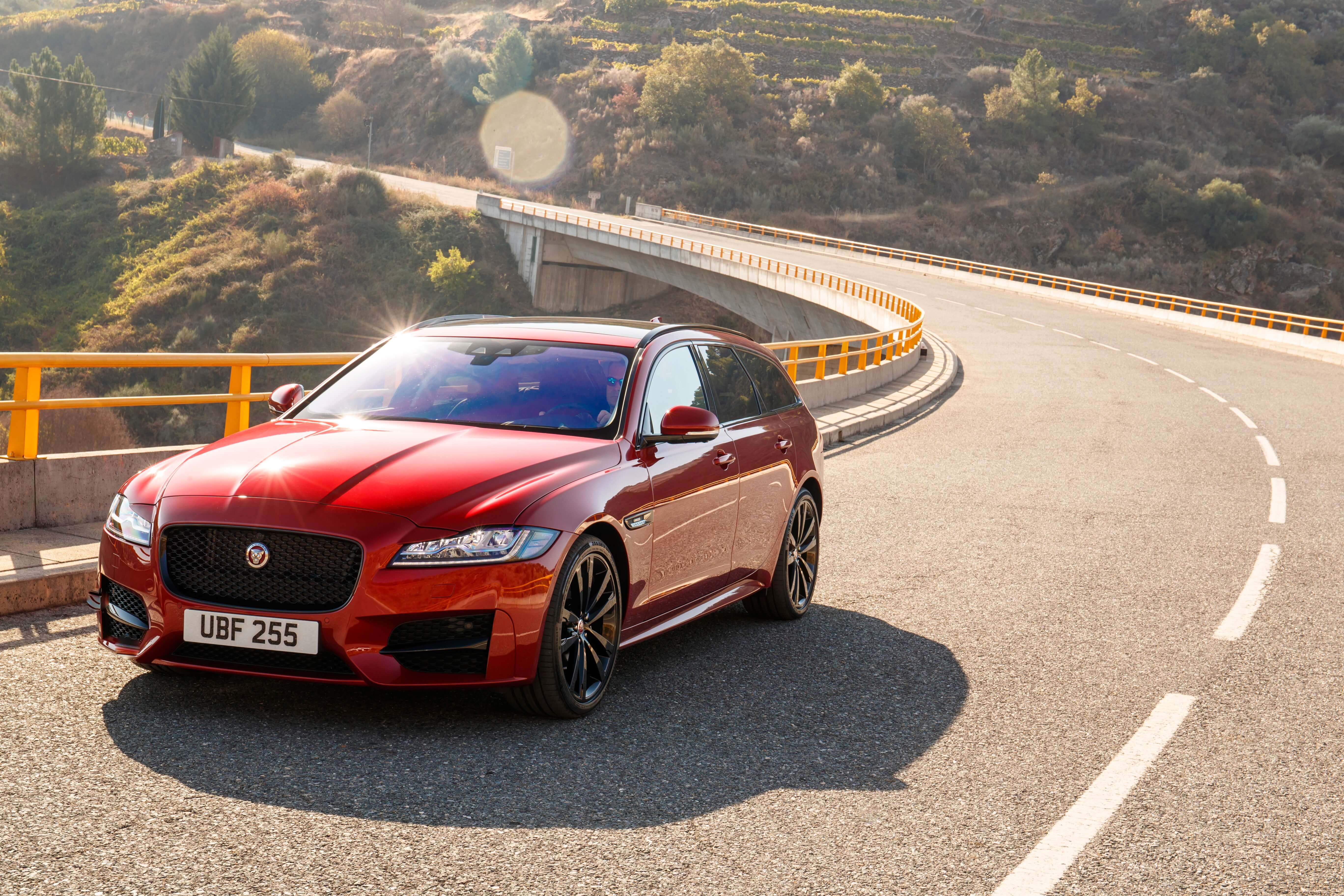 jaguar xf sportbrake 20d r sport leasing f r 399 euro im. Black Bedroom Furniture Sets. Home Design Ideas