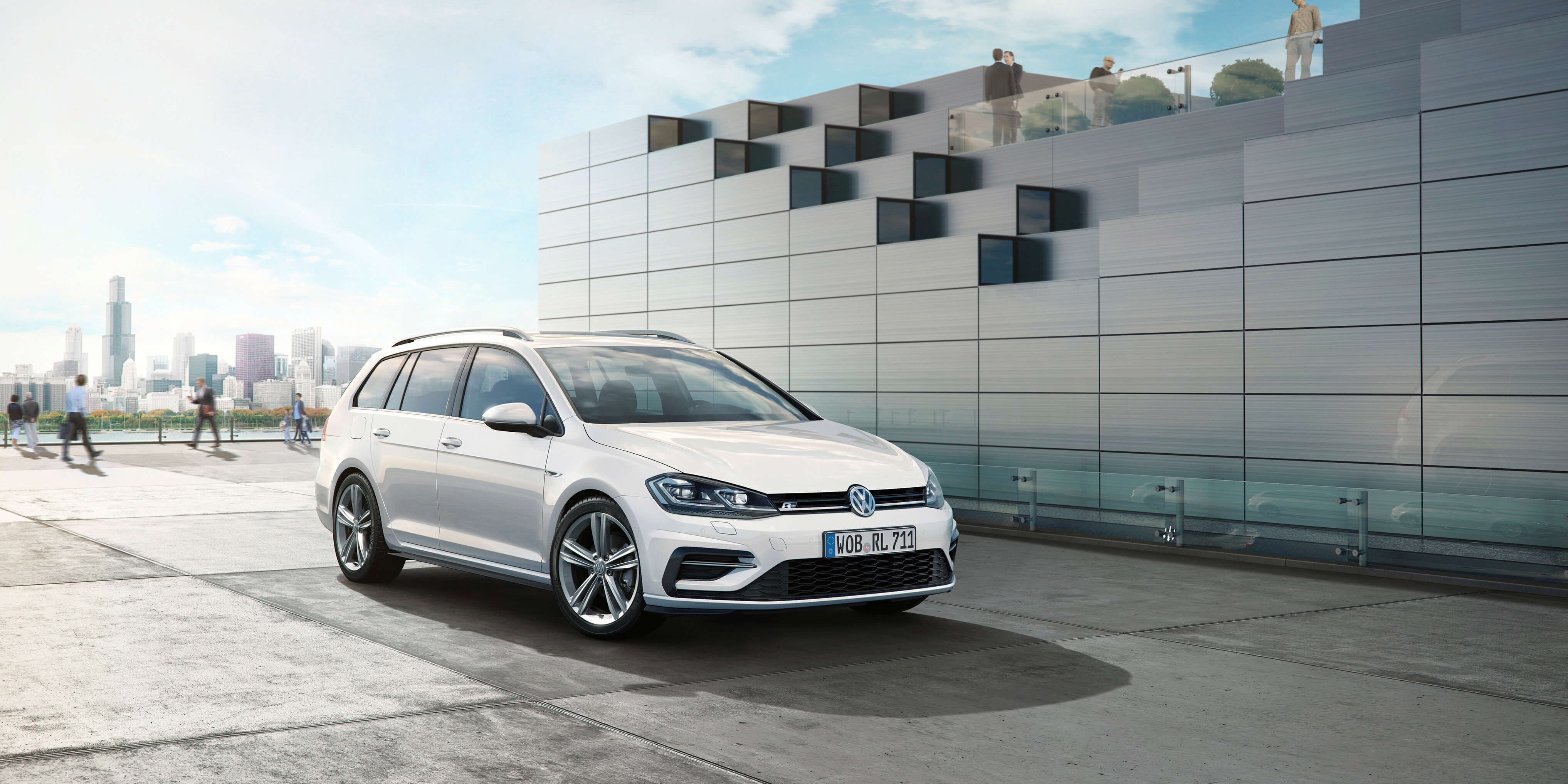 VW Golf R Variant 4Motion