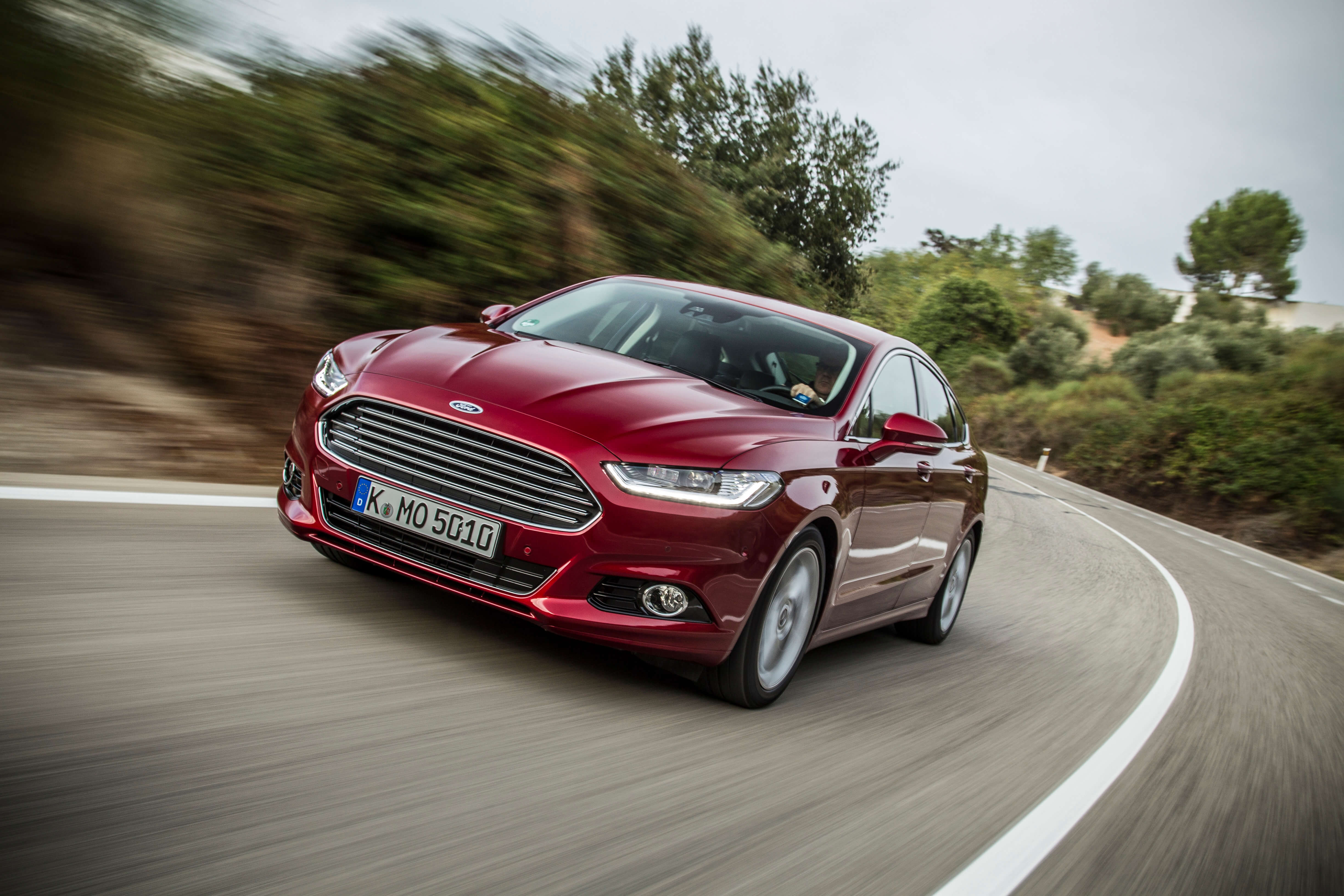Ford Mondeo Stufenheck Hybrid Powershift
