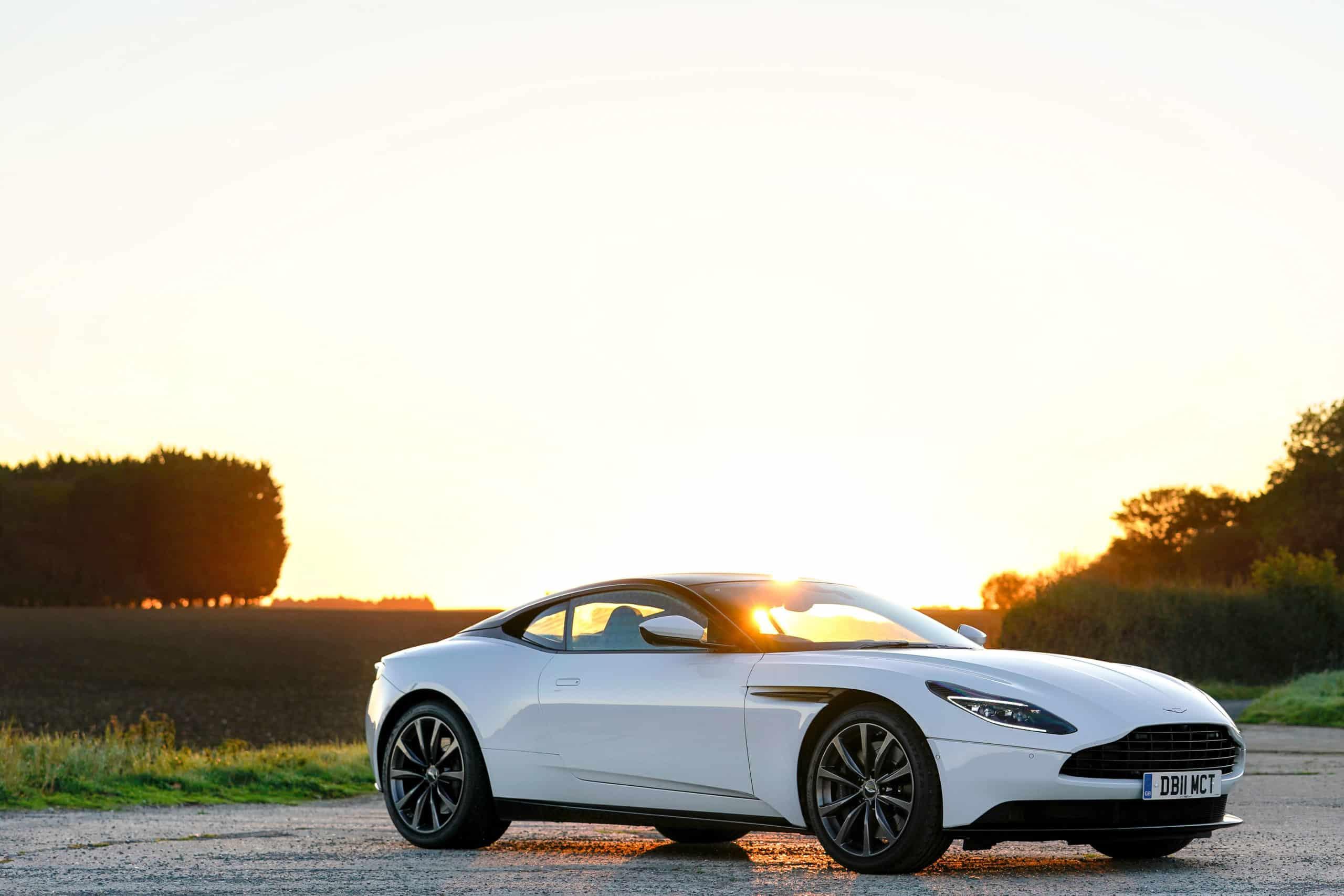 Aston Martin DB11 Coupé V8